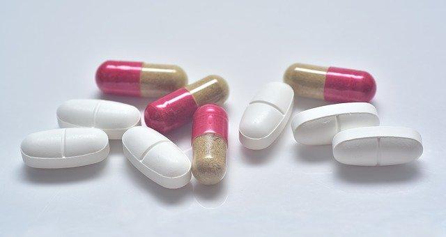 Herkömmliche Medikamente - ohne CBD gegen Akne